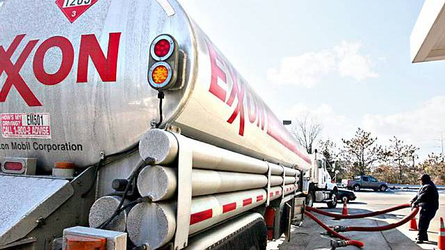 Ein Exxon-Tanker in Arlington