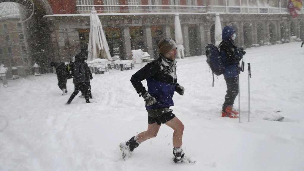 Vier Tote: Winterchaos in Spanien