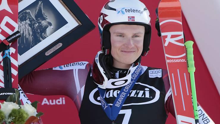 Henrik Kristoffersen - hier bei der Siegerehrung nach seinem 3. Platz im Riesenslalom von letzter Woche in Beaver Creek - führt im Slalom von Val d'Isère