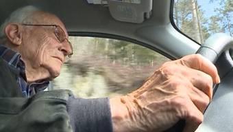 Meldungen über schwere Unfälle, verursacht durch betagte Fahrzeuglenker, häufen sich. Viele über 70-Jährige fahren trotz Ausweisentzug weiter.