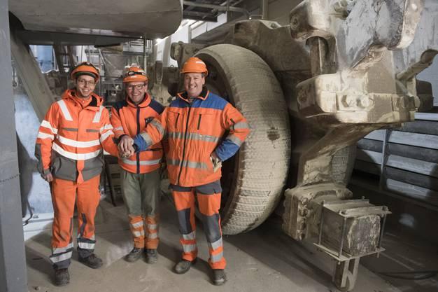 Roger Hirt, Andreas Graf und Heinz Einer, v.l., Revisionarbeiten am Betonwerk der Jura Cement in Wildegg, 26. Januar 2017.