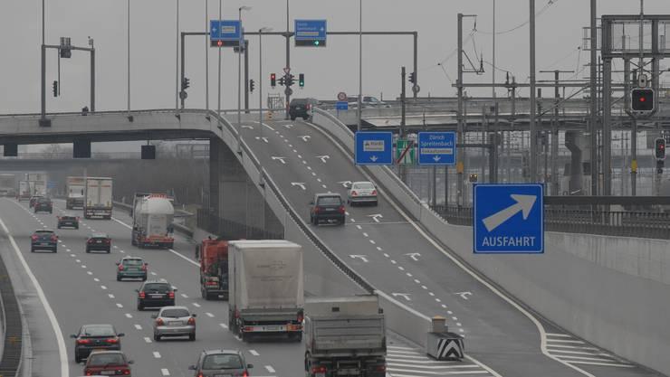 Der Autobahn Halbanschluss in Spreitenbach. (Foto: Walter Schwager)
