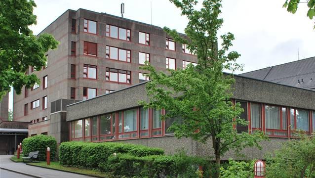 «Das Spital Laufenburg darf nicht geschlossen werden», schreiben CVP-Bezirksparteipräsident Martin Steinacher und Grossrat Werner Müller.