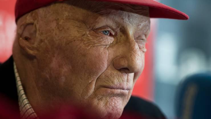 Der ehemalige Formel-1-Weltmeister Niki Lauda ist wegen einer Grippe in Österreich in einem Spital. Nach einer Lungentransplantation ist das Immunsystem des 69-Jährigen noch angegriffen, so dass eine Grippe ein Risiko bedeuten könnte. (Archivbild)