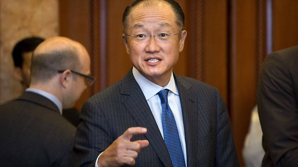 Die Mitarbeitervereinigung der Weltbank wirft ihm Führungsschwäche vor, er kandidiert für eine weitere Amtszeit als Präsident der Organisation: Jim Yong Kim. (Archivbild)