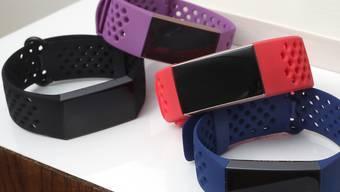 Fitbit hat im vergangenen Quartal zwar mehr Geräte verkauft, aber weniger umgesetzt. (Archiv)