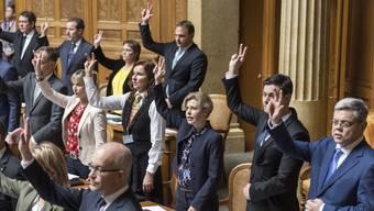 Die SVP-Fraktion im Bundeshaus empfiehlt ihren Bundesrichter Yves Donzallaz zur Abwahl – ausser dieser verlässt bis zur Wahl die Partei.