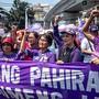 Die Demonstration in der philippinischen Hauptstadt Manila richtete sich auch gegen den Präsidenten Rodrigo Duterte, dem immer wieder Frauenfeindlichkeit vorgeworfen wird.