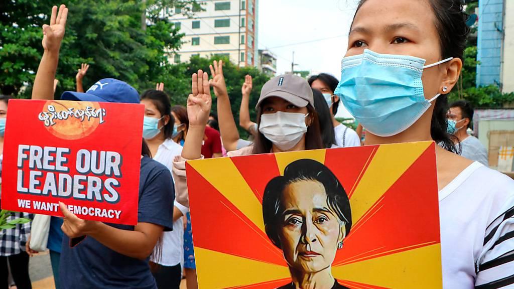 Myanmars Junta-Chef: Aung San Suu Kyi geht es gut
