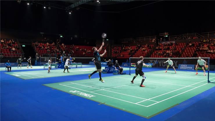 Alljährlich messen sich Badminton-Spieler aller Welt beim Swiss Open in der St.Jakobshalle in Basel.