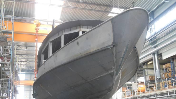 Am 6. März wurde die MS «2018» in der Halle der Lux Werft angehoben und umplatziert.zvg