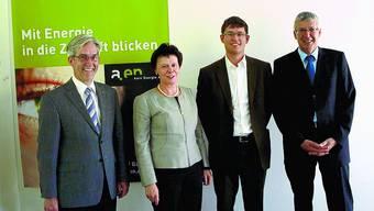 Im Boot: Norbert Caspar, a.en; Regierungsrätin Esther Gassler, Aeneas Wanner, Energie Zukunft Schweiz und Urs Stuber, kantonale Energiefachstelle (von links).