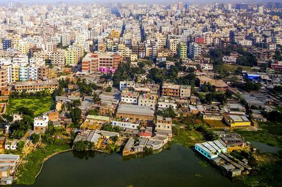 Blick auf Dhaka: Die Hauptstadt von Bangladesch liegt nur sechs Meter über Meer.