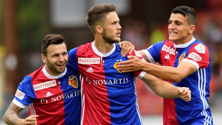 Ein gefeierter Mann beim FCB: Stürmerstar Ricky van Wolfswinkel (Mitte).