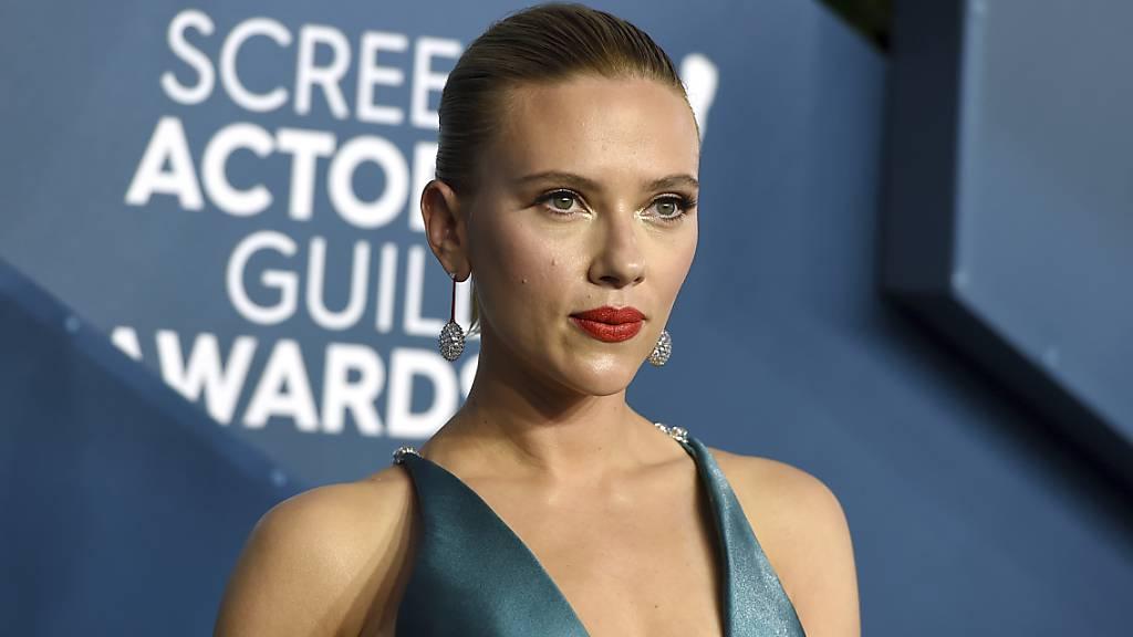 ARCHIV - Scarlett Johansson kommt zur Verleihung der Screen Actors Guild Awards in der Shrine Auditorium  Expo Hall. Foto: Jordan Strauss/Invision/AP/dpa