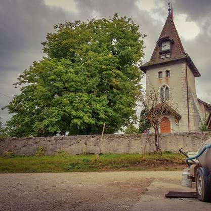 Das malerische Dörfchen Romainmôtier ist unbedingt einen Besuch wert.