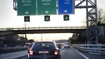 Autos auf der A1 beim Ausgang Morges-Ost (Symbolbild)