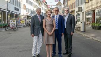 Sie gaben dem neuen Dekan Thomas Gasser (zweiter von rechts) die Ehre: Der Liestaler Stadtpräsident Lukas Ott sowie Rektorin und Präsident der Universität Basel, Andrea Schenker und Ueli Vischer (von rechts).