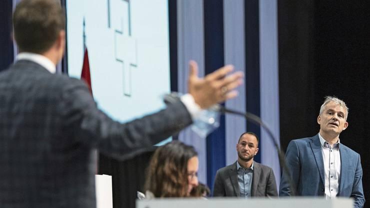 SVP-Nationalrat Christian Imark (links) streitet mit Beat Jans von der SP über das CO2-Gesetz.