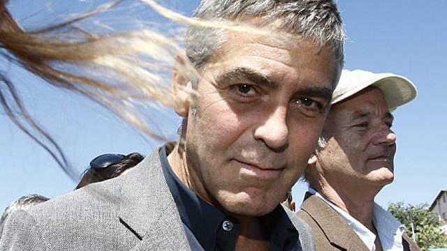 Clooney und Murray in Erdbebengebiet