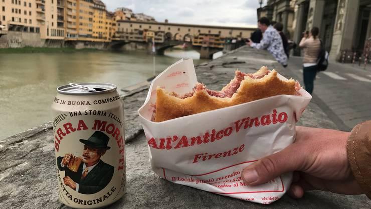 Das wird in Florenz künftig gebüsst: Rund um die Uffizien ist das Essen zu bestimmten Tageszeiten verboten.