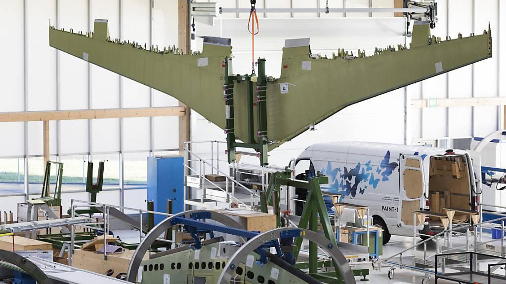 Der Schweizer Flugzeugbauer Pilatus liefert der französischen Armee weitere Flugzeuge. (Archivbild)