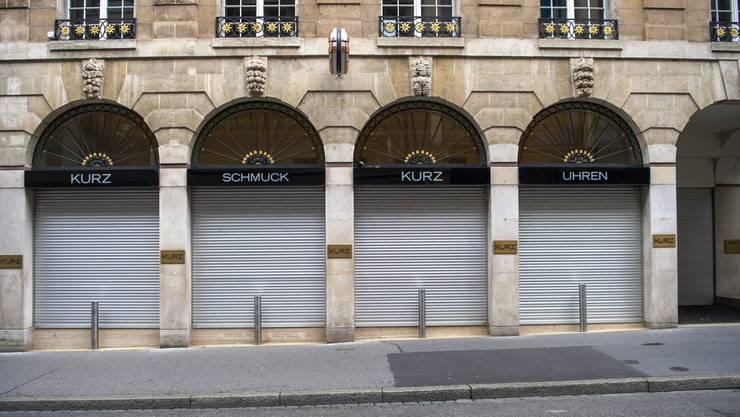Uhren- und Schmuckgeschäfte wie hier in Basel waren geschlossen. In anderen Ländern sind die Läden teils noch immer zu.