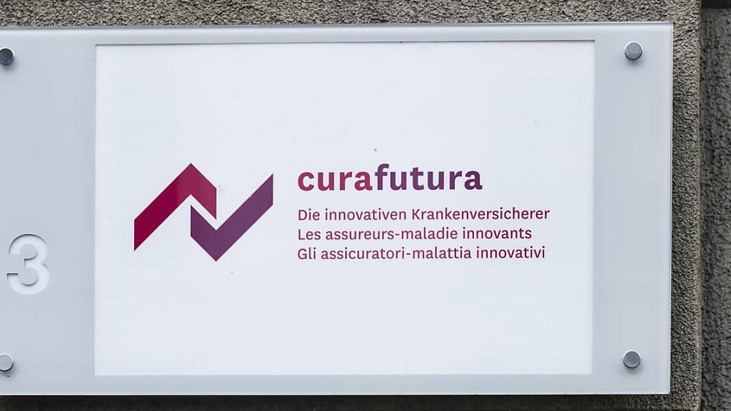 Der Krankenkassenverband Curafutura kann die Versicherten mit Blick auf die Kostenübernahme bei Coronavirus-Behandlungen beruhigen. (Archivbild)