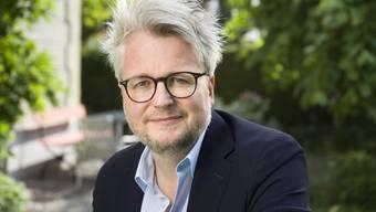 """Dani Landolf wird die Geschäftsleitung der Solothurner Literaturtage offiziell ab August übernehmen. Doch im Hintergrund arbeitet er bereits an der aktuellen Ausgabe mit, die heute beginnt: Die Werkschau digital durchzuführen sei """"ein Experiment""""."""