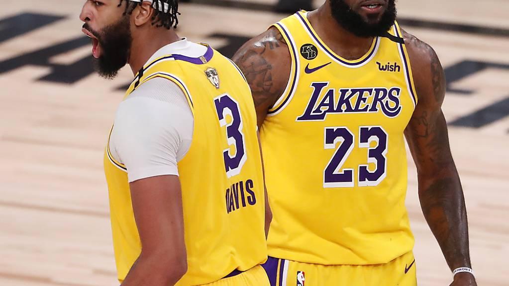 Anthony Davis (links) und LeBron James führten die Lakers zu einem klaren Sieg.
