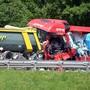 Der Personenwagen wurde so stark zerdrückt, dass er auf Bildern zwischen den beiden Lastwagen kaum zu erkennen war. (Archivbild)