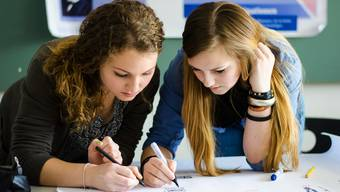 Je eine Lektion verlieren das Ergänzungsfach und das Unterrichtsmodul «Lernen am Projekt». (Symbolbild)