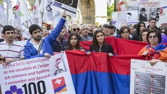 Armenier protestieren in Bern für die Anerkennung des Völkermords