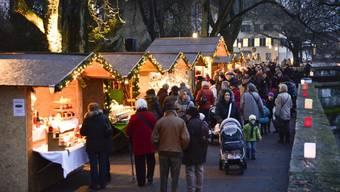 Stimmungsvoller Wiehnachtsmäret am Solothurner Kreuzackerquai