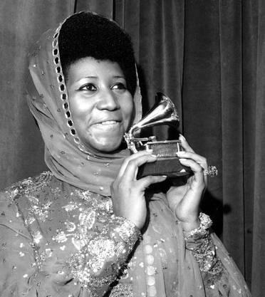1975 gewinnt sie einen Grammy als beste R&B-Sängerin