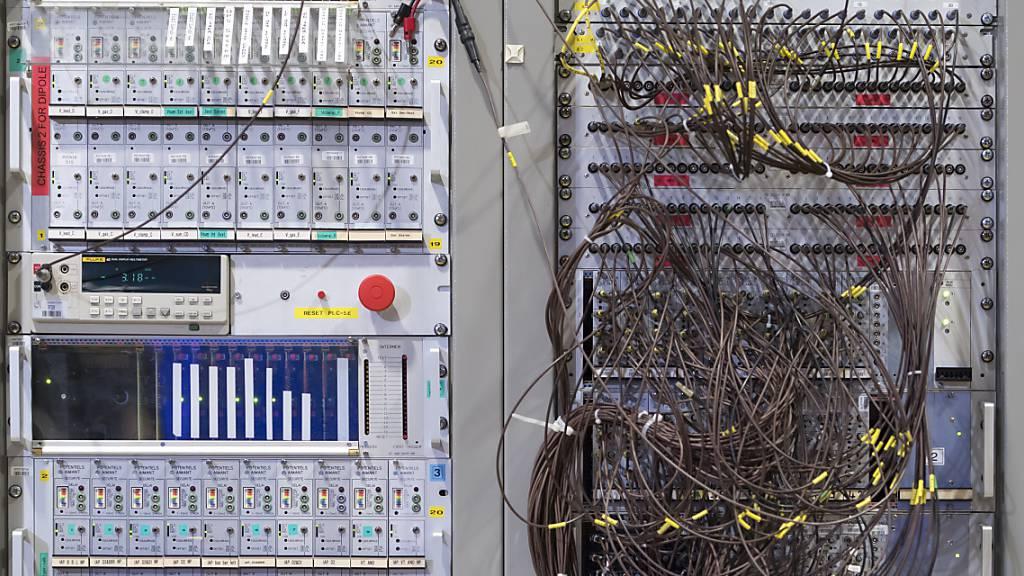 Weko vermutet Kartellverstösse bei Ausrüstern von optischen Netzen