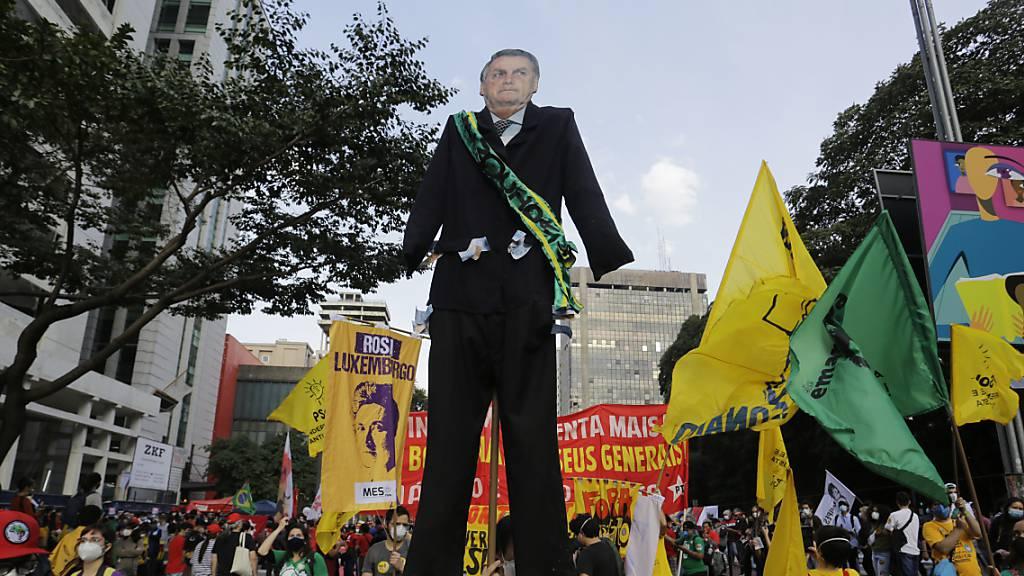 Brasiliens Präsident unter Korruptionsverdacht: Demos gegen Bolsonaro