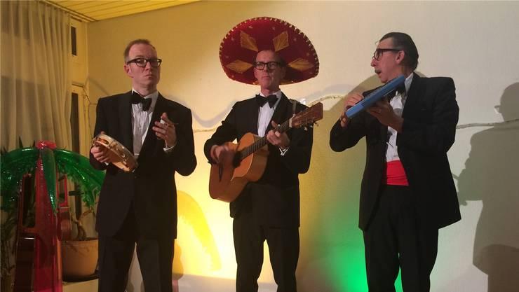 Los Chicos Perfidos standen für einen guten Zweck auf der Bühne.