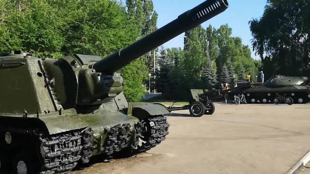 Achtung, hier kommen die russischen Panzer