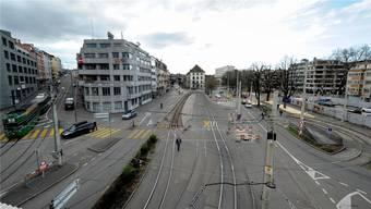 Der Unfall passierte auf der Höhe der Binningerstrasse 5 an der Heuwaage.