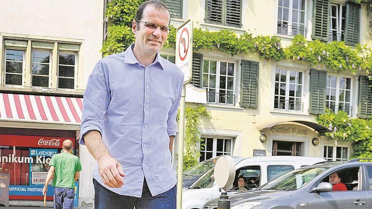 Ob als Fussgänger, Autofahrer oder erster Strasseninspektor im Kanton: Reto Färber denkt über unser Verkehrsverhalten nach. Melanie Duchene
