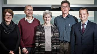 Der neue Gemeinderat ist startklar (v. l.): Vizeammann Rosi Magon, Heinz Wipfli, Gemeindeammann Heidi Ammon, Christoph Häfeli und Max Gasser im 8. Stock des Gemeindehauses. Annika Bütschi