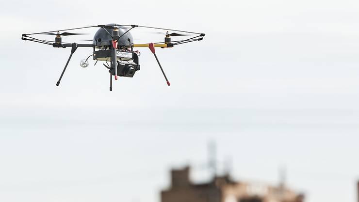 Drohnen dürfen einem Flughafen oder Flugplatz nicht näher als fünf Kilometer kommen.