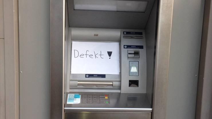 Der AKB-Bankomat in Dättwil ist noch bis Mitte Juni ausser Betrieb.
