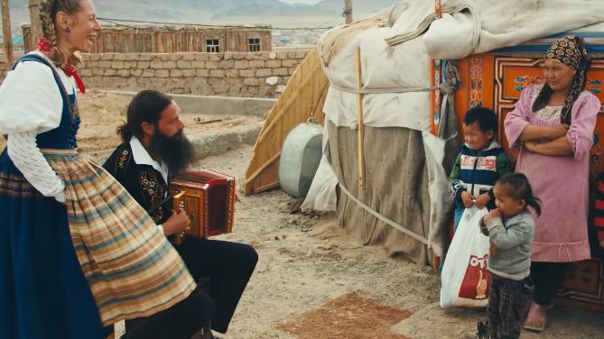 Jodeln und Jurten: Schweizer Folklore in der Mongolei