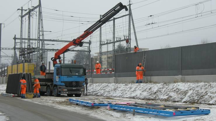 Lärmsanierung der SBB in Grenchen: Die Bauleute bei der Arbeit