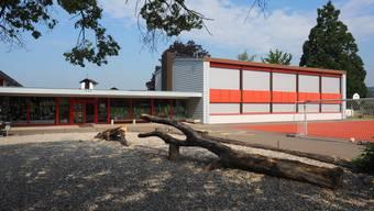 Die Gemeindeversammlung hat sich in sehr knappem Entscheid gegen den Erhalt der Schule Etzgen entschieden.
