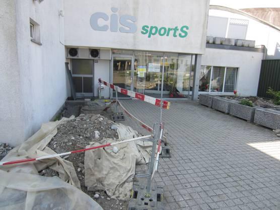Baustelle vor dem Eingang