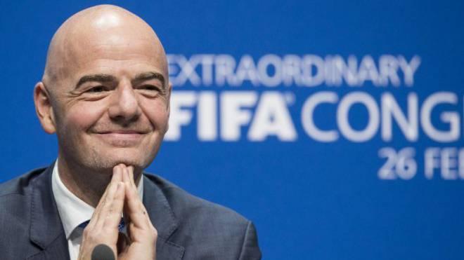 Sichtlich zufrieden: Gianni Infantino an seiner ersten Pressekonferenz als neuer Fifa-Präsident. Foto: Keystone