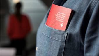 Nicht jeder soll den Schweizer Pass bekommen. Das Thema Einbürgerung polarisiert.